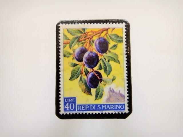 サンマリノ 果物切手ブローチ947