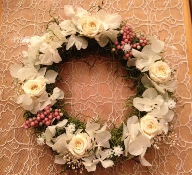サマーリース?アンティークホワイトのバラのリース