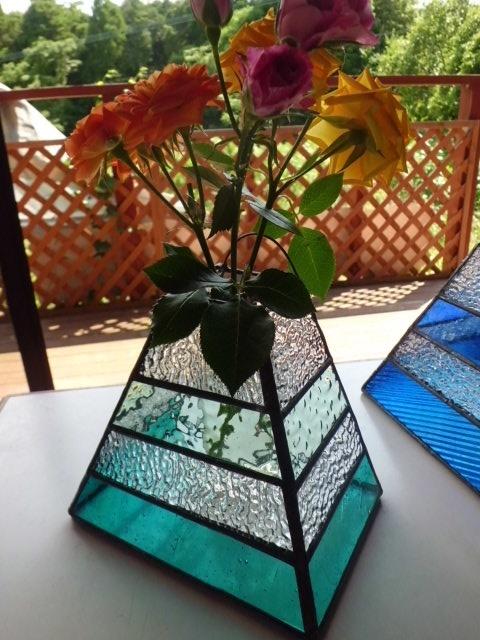 ステンドグラスの花器