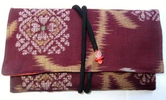 着物リメイク 赤絣で作った和風財布 181