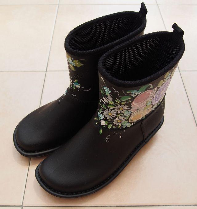 お花のレインブーツ・黒 Sサイズ