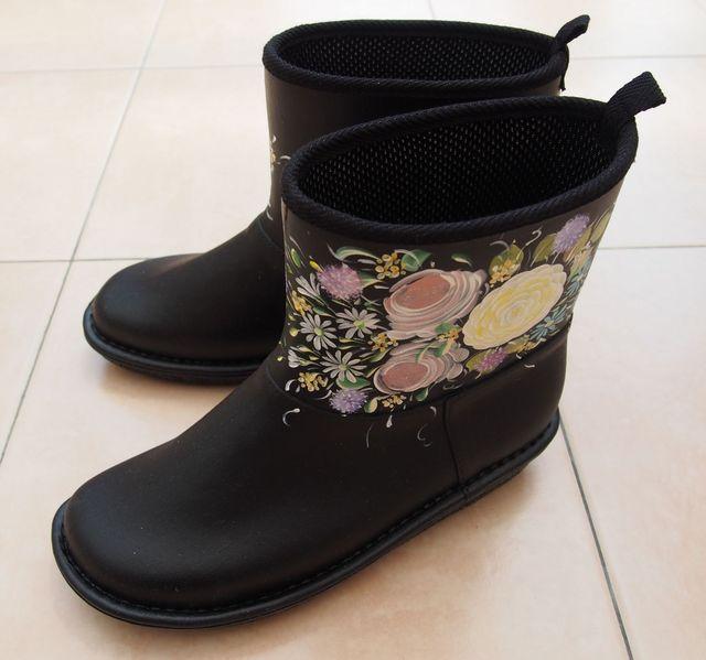 お花のレインブーツ・黒 Mサイズ