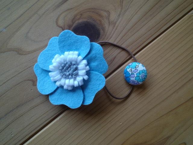 ハイビスカス風お花のヘアーゴム