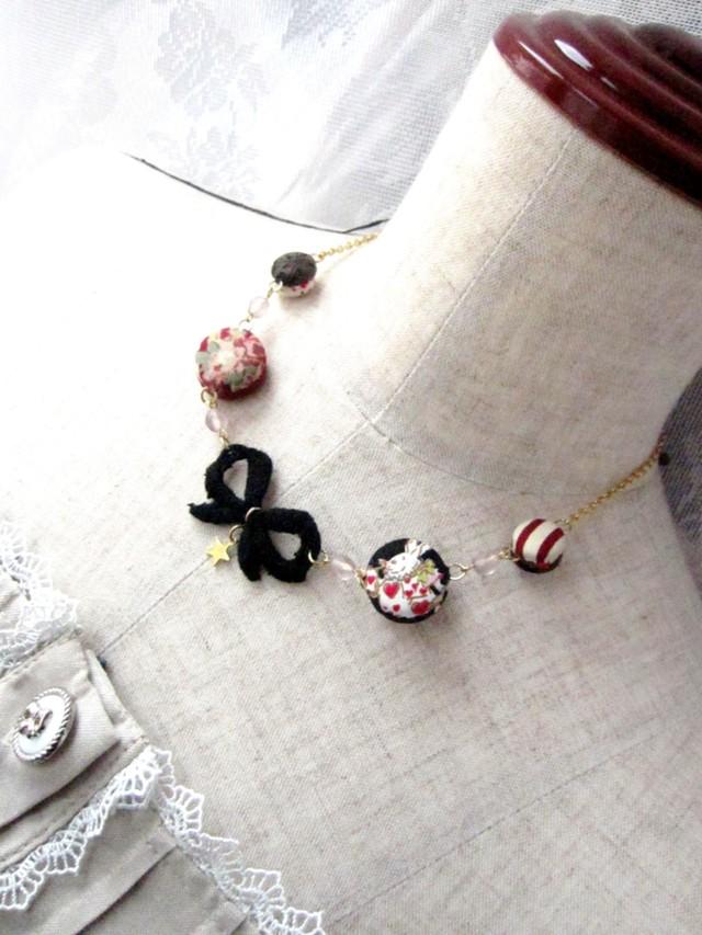 くるみボタンのネックレス(黒)