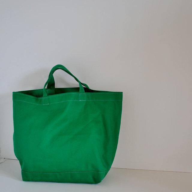 鮮やかカラーのグリーンBAG