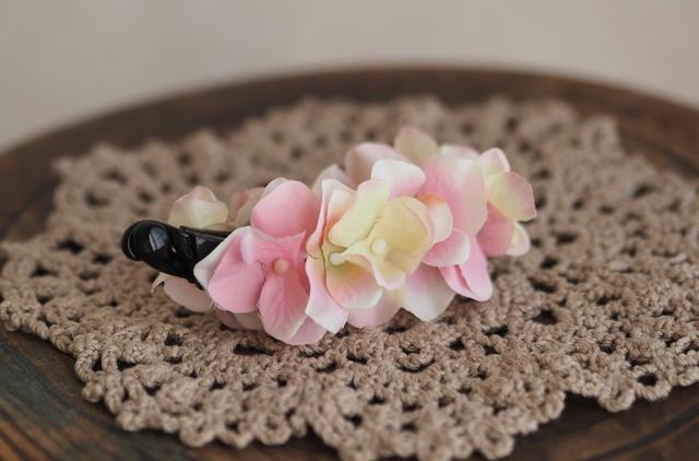 ピンクのお花?バナナクリップ