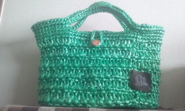 グリーンのミニバッグ