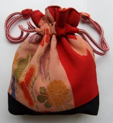 着物リメイク 錦紗縮緬の着物で作った巾着袋 201