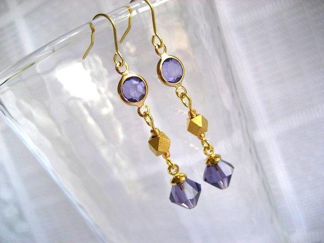 シャネルストーンと紫ダイヤのピアス_332