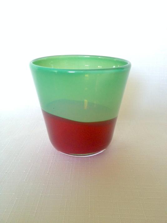 いちごカラーのグラス