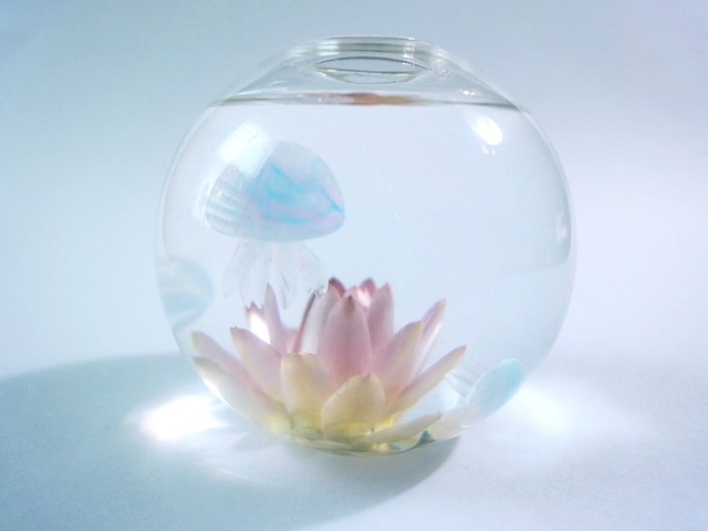ぷちアクアリウム くらげちゃん★花とクラゲ ボール型 E82