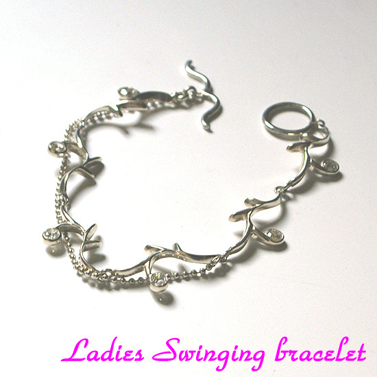 Ladies Swinging bracelet