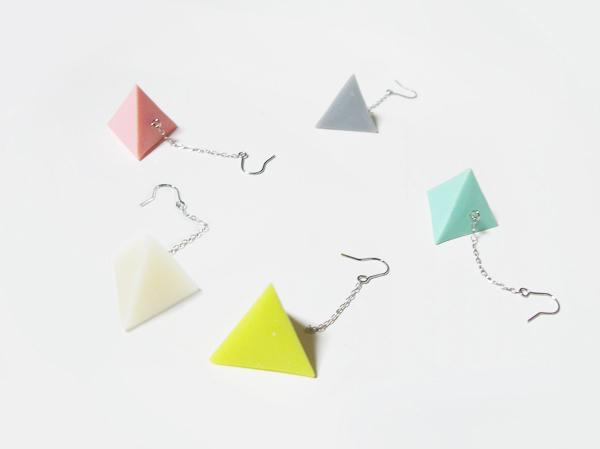 (再販)三角すいのポップなピアス