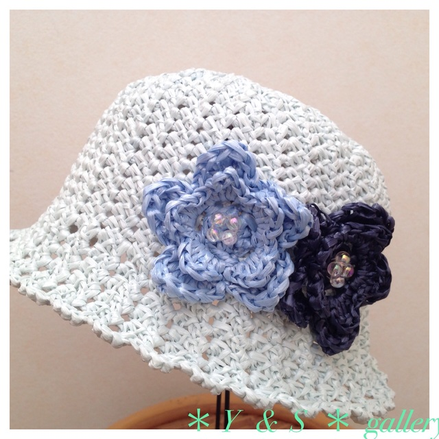 お花が可愛い♪  kidsの麦わら帽子 (  水色 )