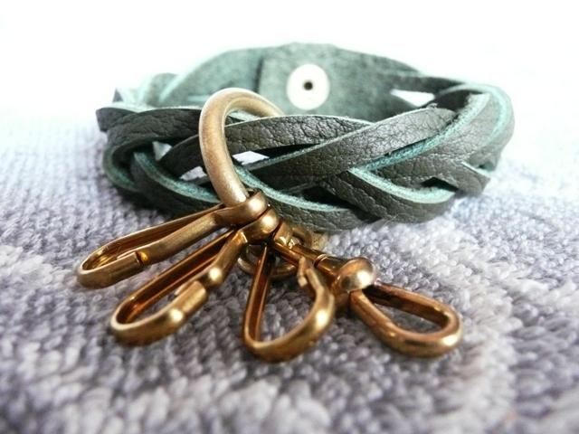 真鍮パーツのマジック編みキーホルダー(トリヨン)new!