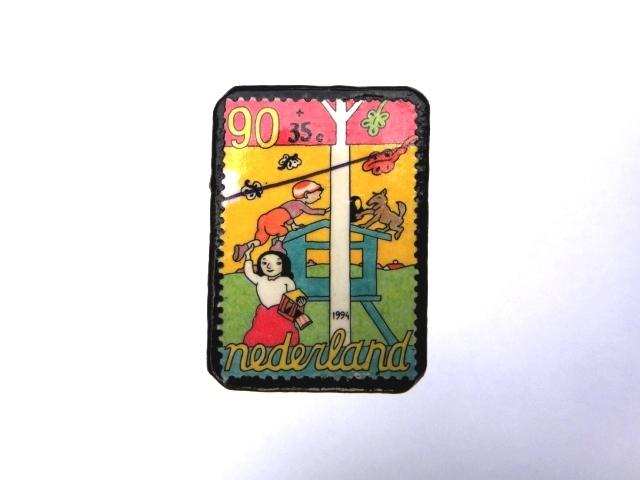 オランダ 切手ブローチ966