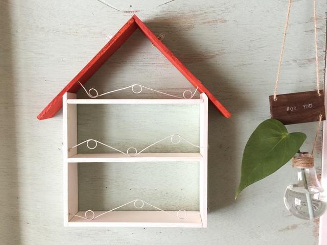 ☆再販 赤い屋根のハウス型コレクションボード