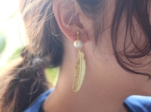 Feather Cotton Pearl Earrings
