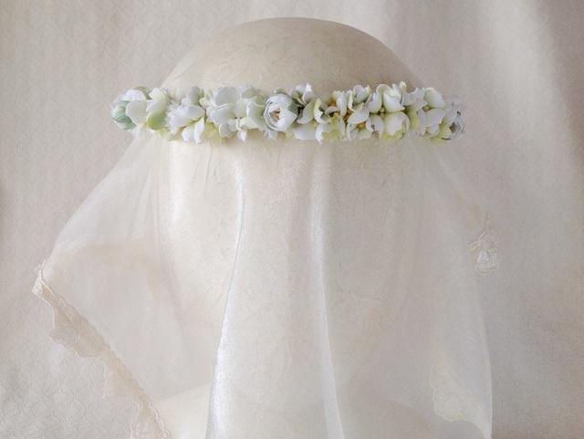 染め花の花冠(スリムタイプ・ホワイト&グリーン)