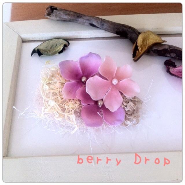 紫色の花のコサージュ/髪留め可(送料込)
