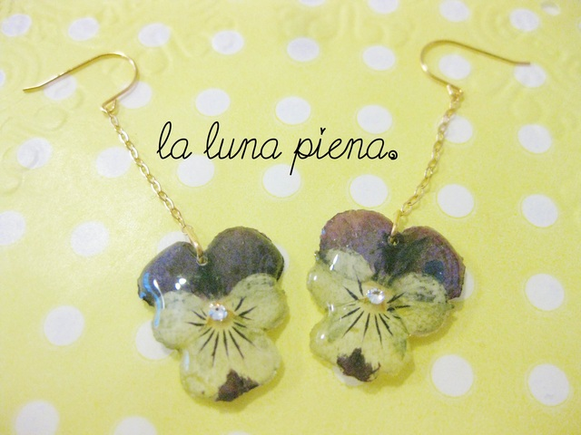 Violaピアス  little