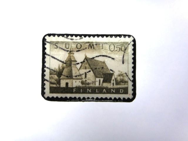 フィンランド 切手ブローチ975