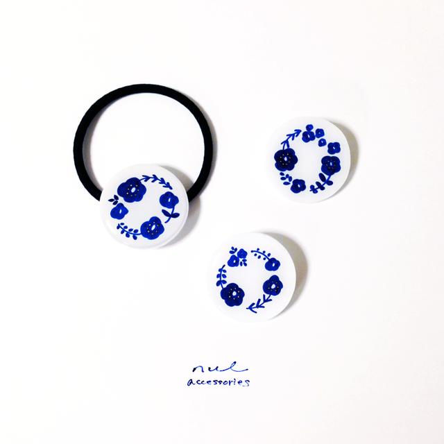 blue flowers へアゴム/ブローチ