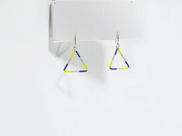 (再販)カラフルな三角ピアス