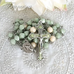 雪解けの森のロザリオ Rosary with Czech beads – Pail green and Ivory