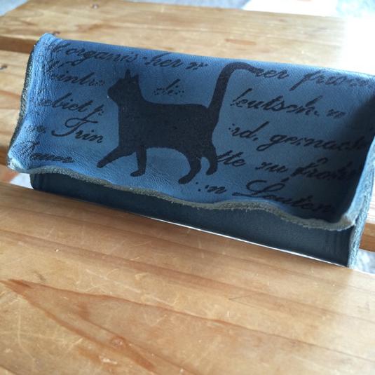 本革 猫 の クタッと アンティーク キーケース