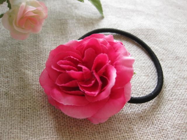 濃いピンクのお花のヘアーゴム