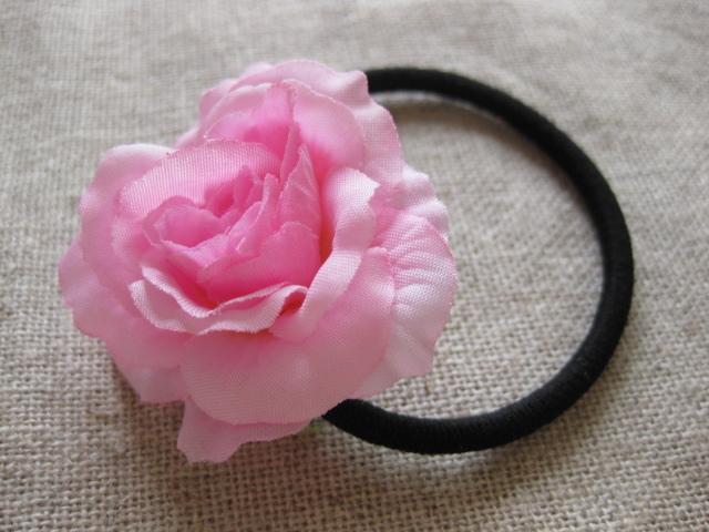 うすピンクのお花のヘアーゴム