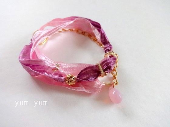 グラデーションリボンのブレス【ピンク×パープル】