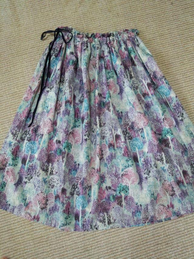 フリーサイズ フェミニンな柄のおしゃれなスカート