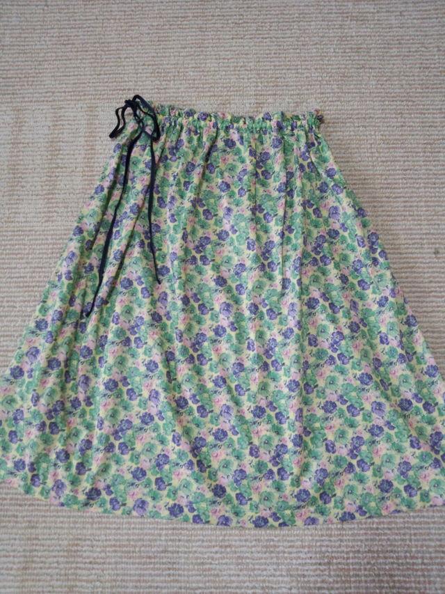 フリーサイズ 小花柄のおしゃれなスカート