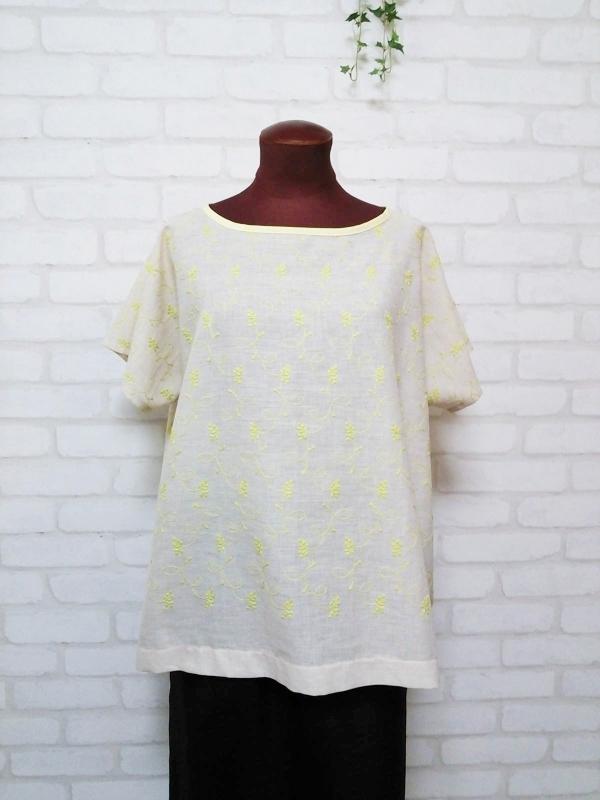 ☆Sold  out☆ レモンカラーのフラワー刺繍ドルマンチュニック