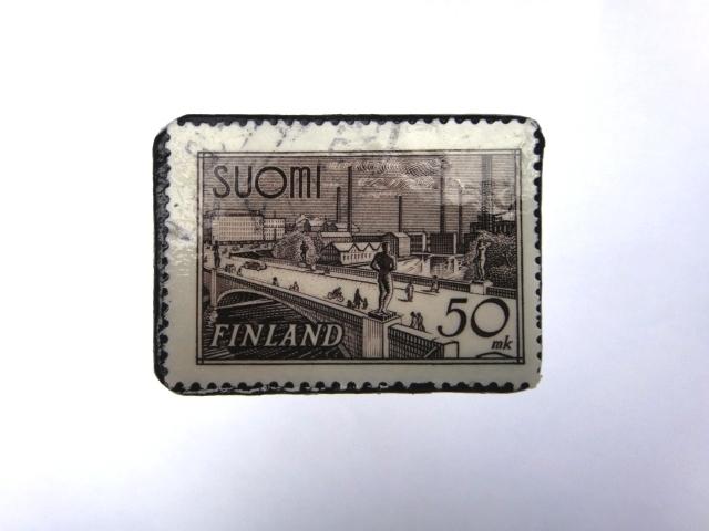 フィンランド 切手ブローチ976