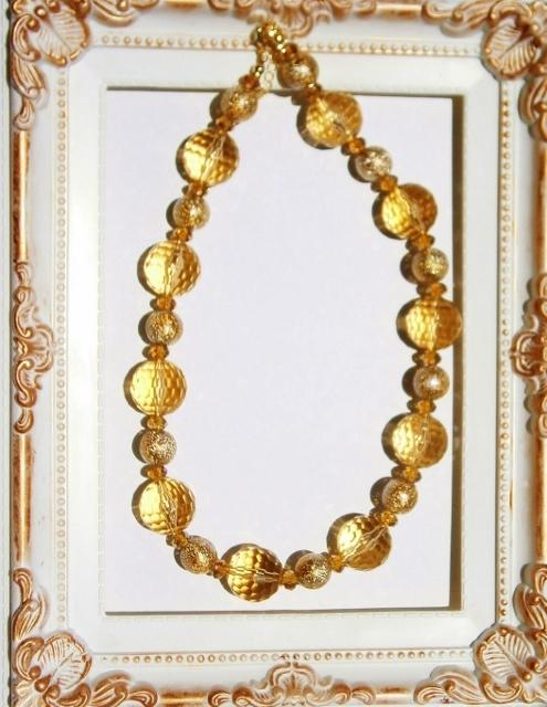 黄金色のネックレス  「サマコレ」