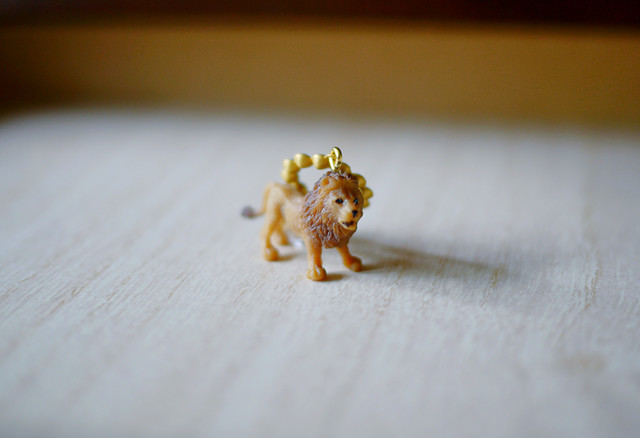 (Sold out)animal片耳イヤリング(ノンホールピアス)【Lion】