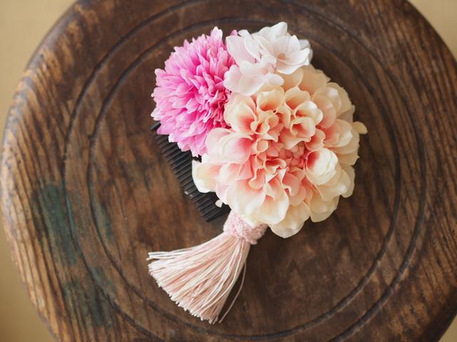 タッセルが揺れるお花のヘアコーム:ピンク?和装にも