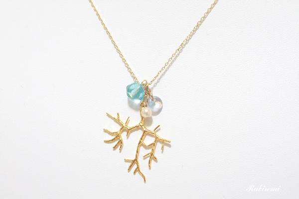海の珊瑚ネックレス♪
