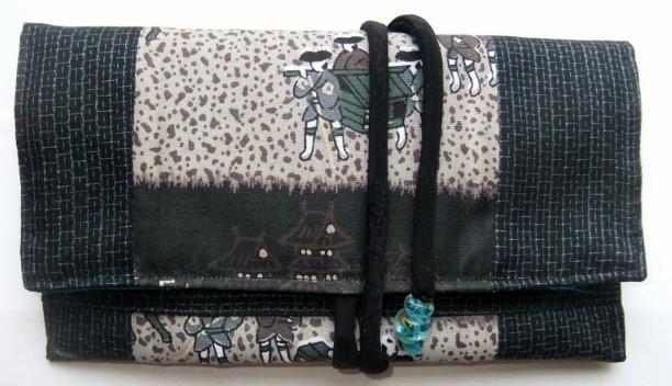 着物リメイク 藍大島の羽織と長襦袢で作った和風財布 250