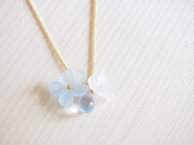 clear blue flowers neckless【5blue3white】