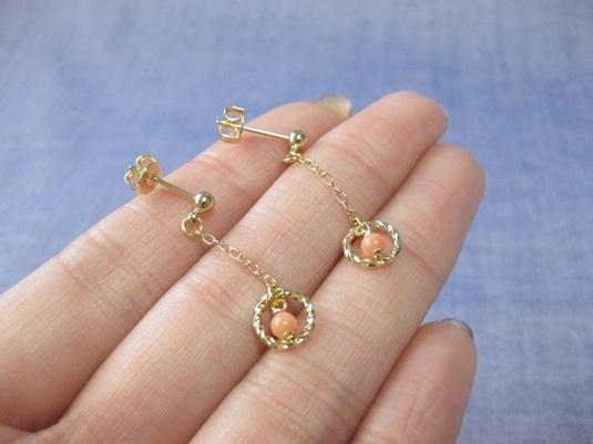 ピンク珊瑚の小さなピアス No.87