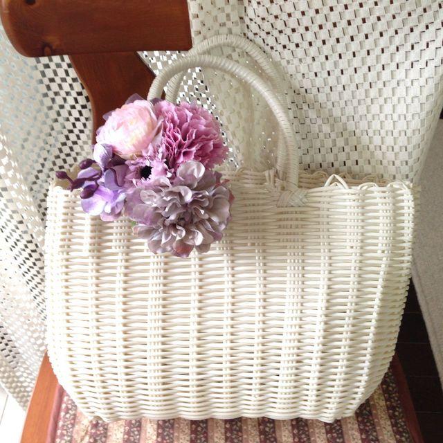 お花のカゴバッグ  ホワイト/ピンクパープル