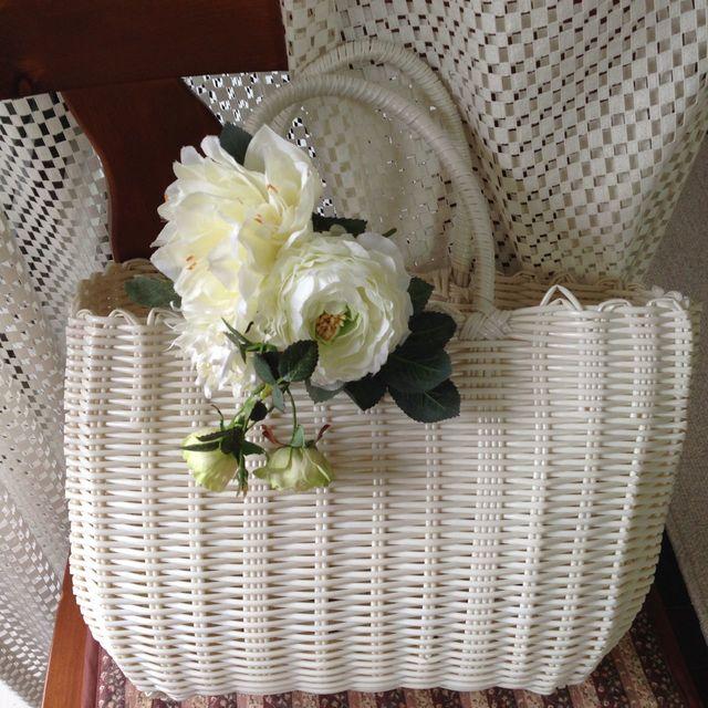 お花のカゴバッグ  ホワイト/ナチュラルホワイト