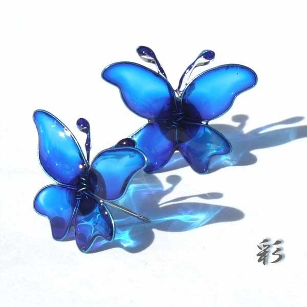 蝶のピアス(平面) ブルー