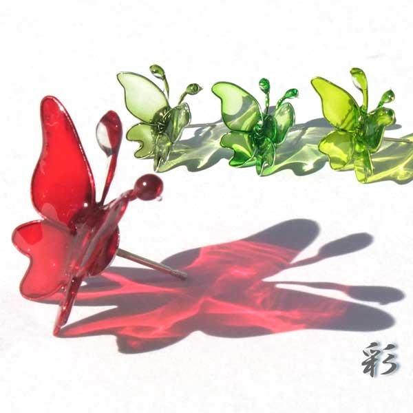 蝶のピアス(立体) 選べる4色