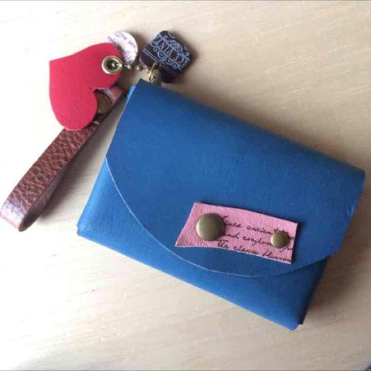 【送料無料】本革 レザー レトロで可愛い カードケース