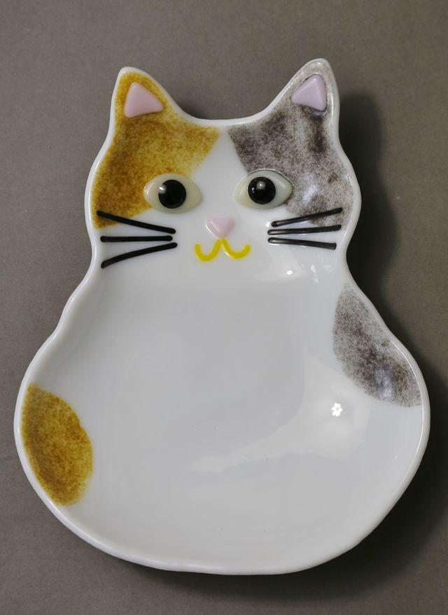 三毛猫のお皿